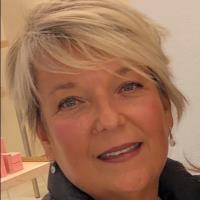 Tracey Swain